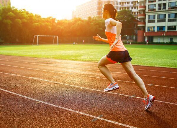 woman-running-sunset_1112-548